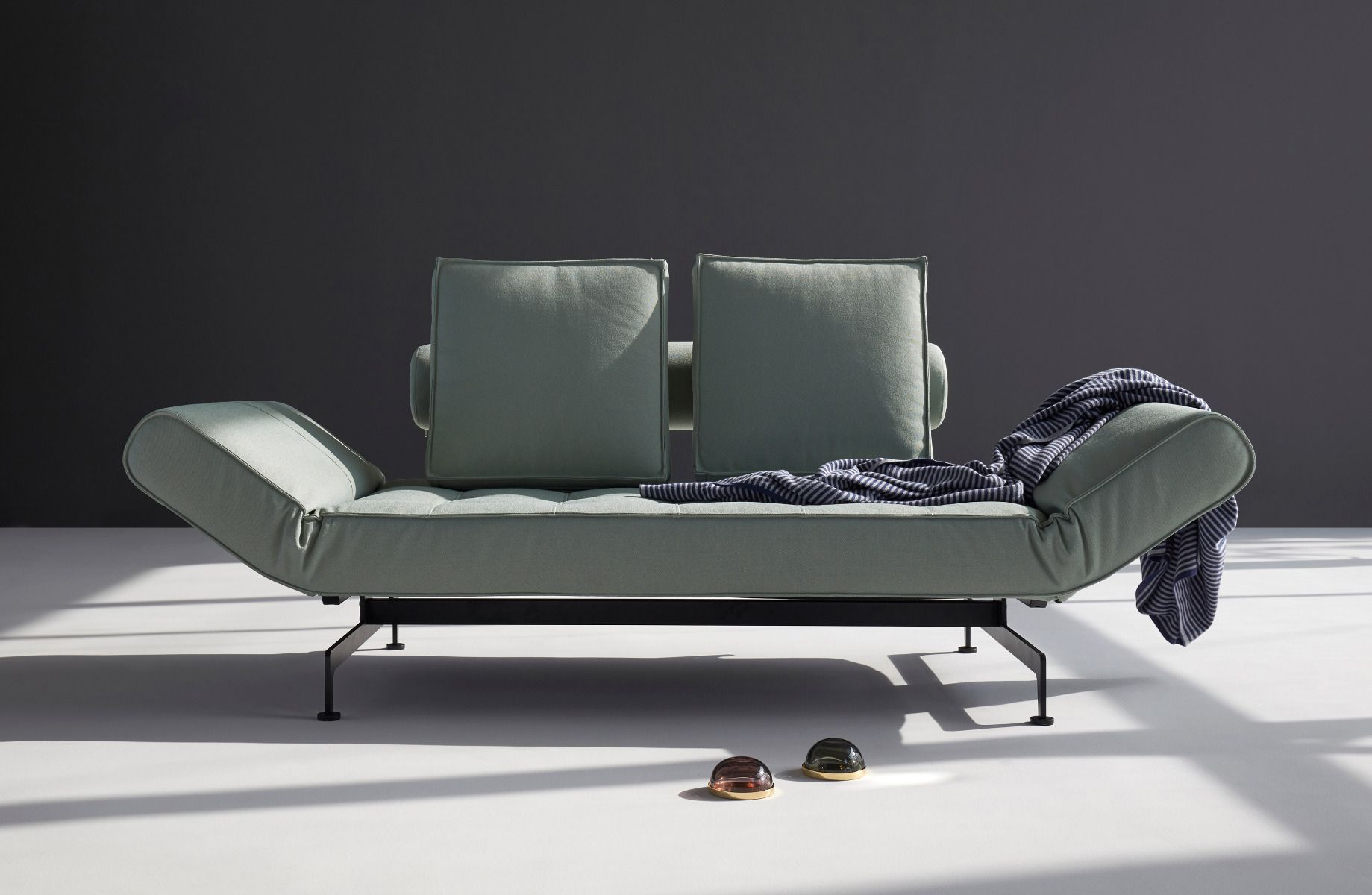 Ghia Daybed