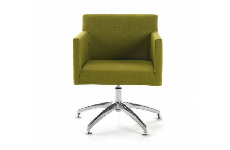 Der Zierliche Sessel Kirk Hatu0027s In Sich: Puristisch Im Design, Wächst Er  Auf Wunsch Stufenlos über Seine Ursprüngliche Höhe Hinaus.